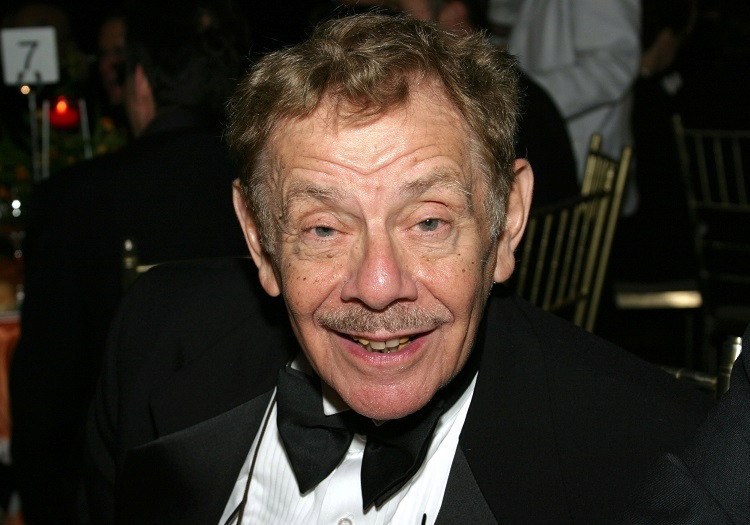 Actor Jerry Stiller arrives at the Actor's Fund Annual Gala Dinner and Tribute on November 17, 2003 at Cipriani's Restaurant in New York City. (Photo by Sara Jaye/Getty Images)