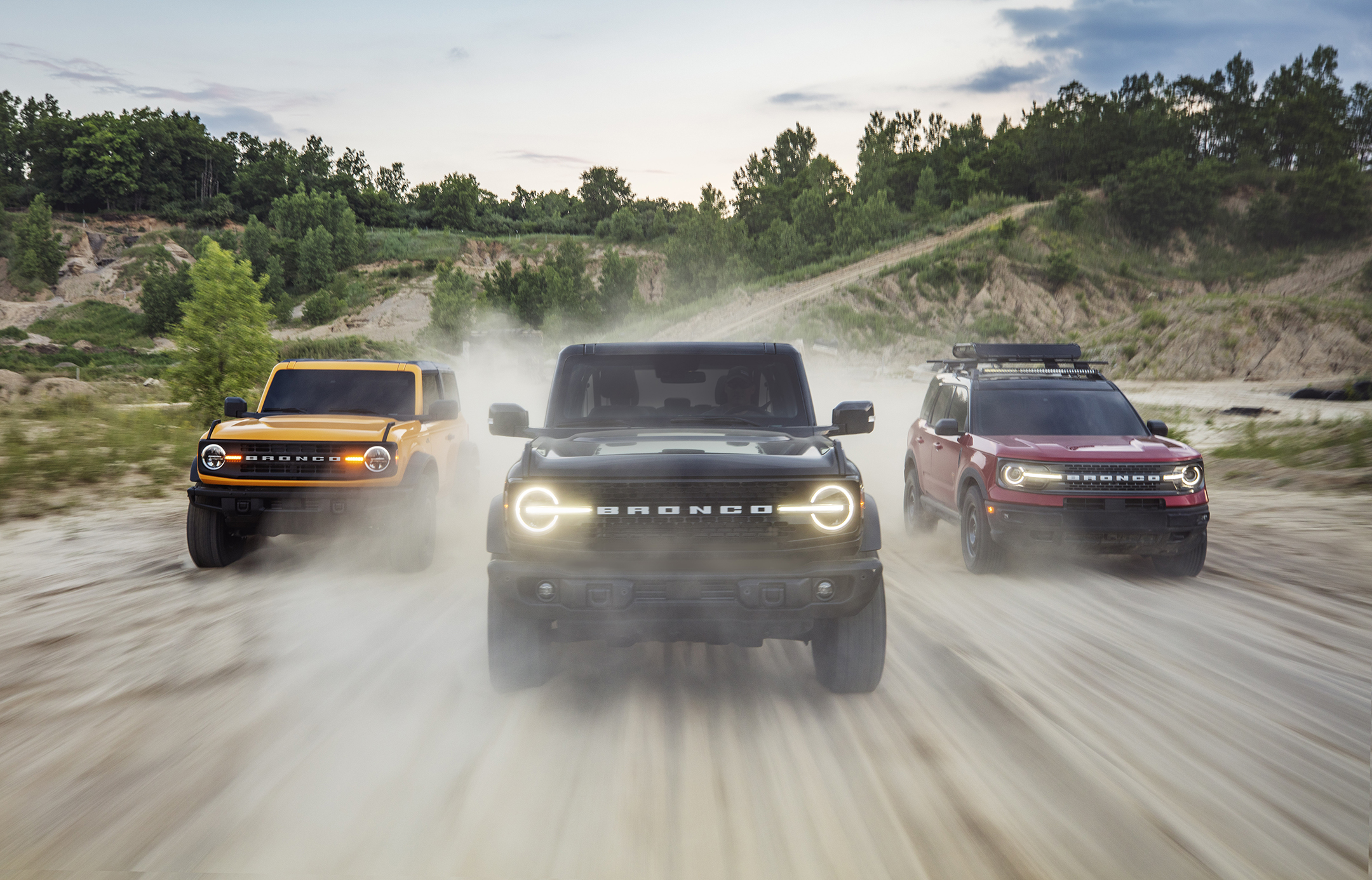 Ford Unveils New Bronco Says Website Overwhelmed By Stampede Of Reservations Wavy Com