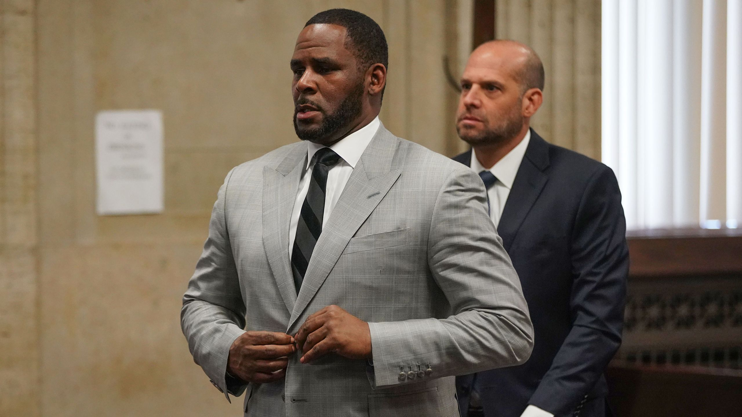 R. Kelly pleads not guilty to a new indictment in Chicago on June 6, 2019. (E. JASON WAMBSGANS/AFP via Getty Images)