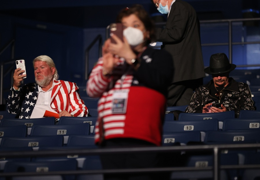 Kid Rock, golfer John Daly asked to mask up in the audience at final presidential debate