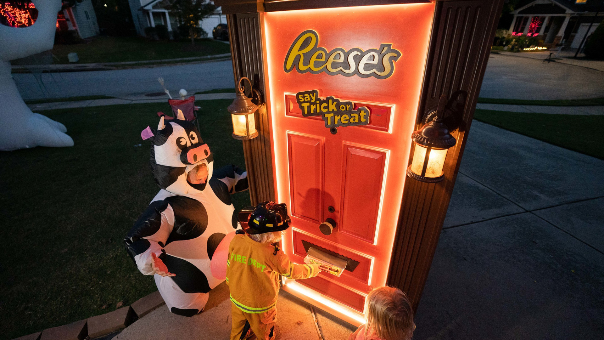 Reese's robotic Halloween door