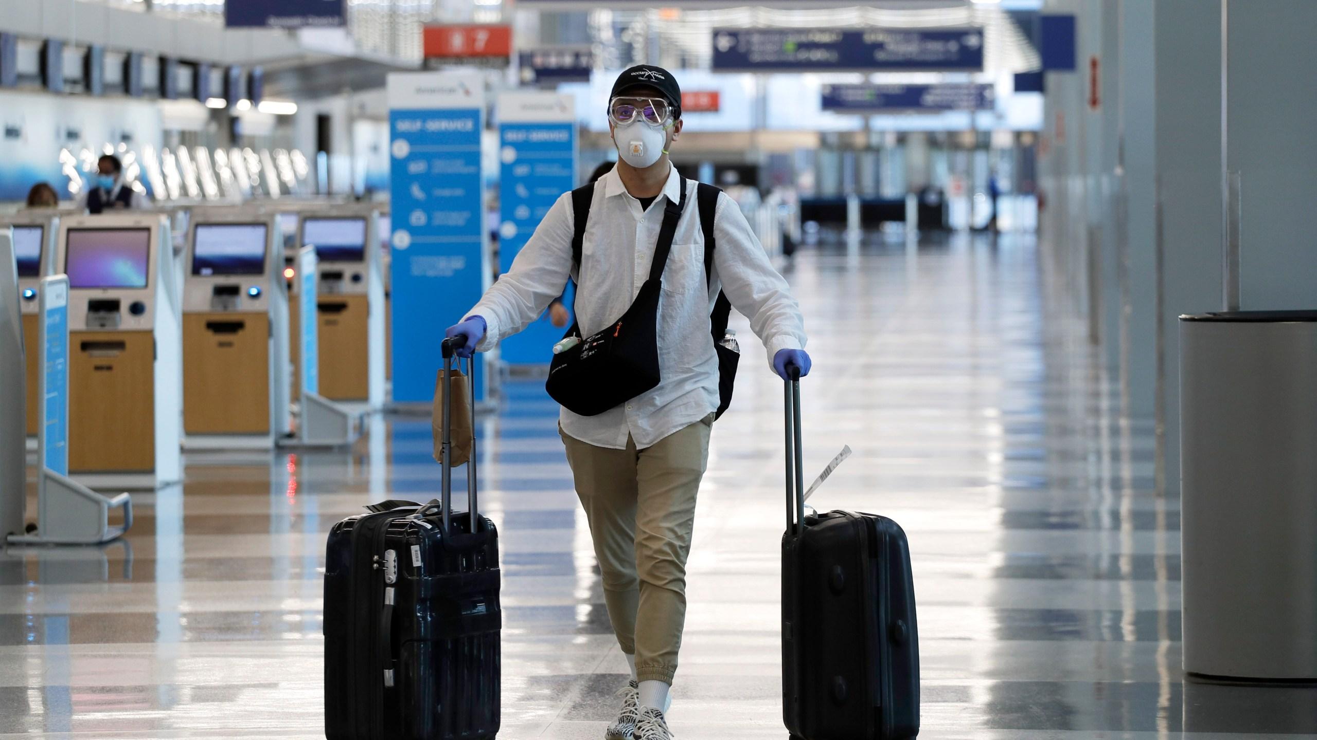 Air traveler, airport