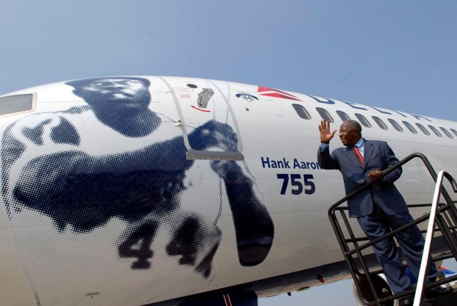 Hank Aaron plane