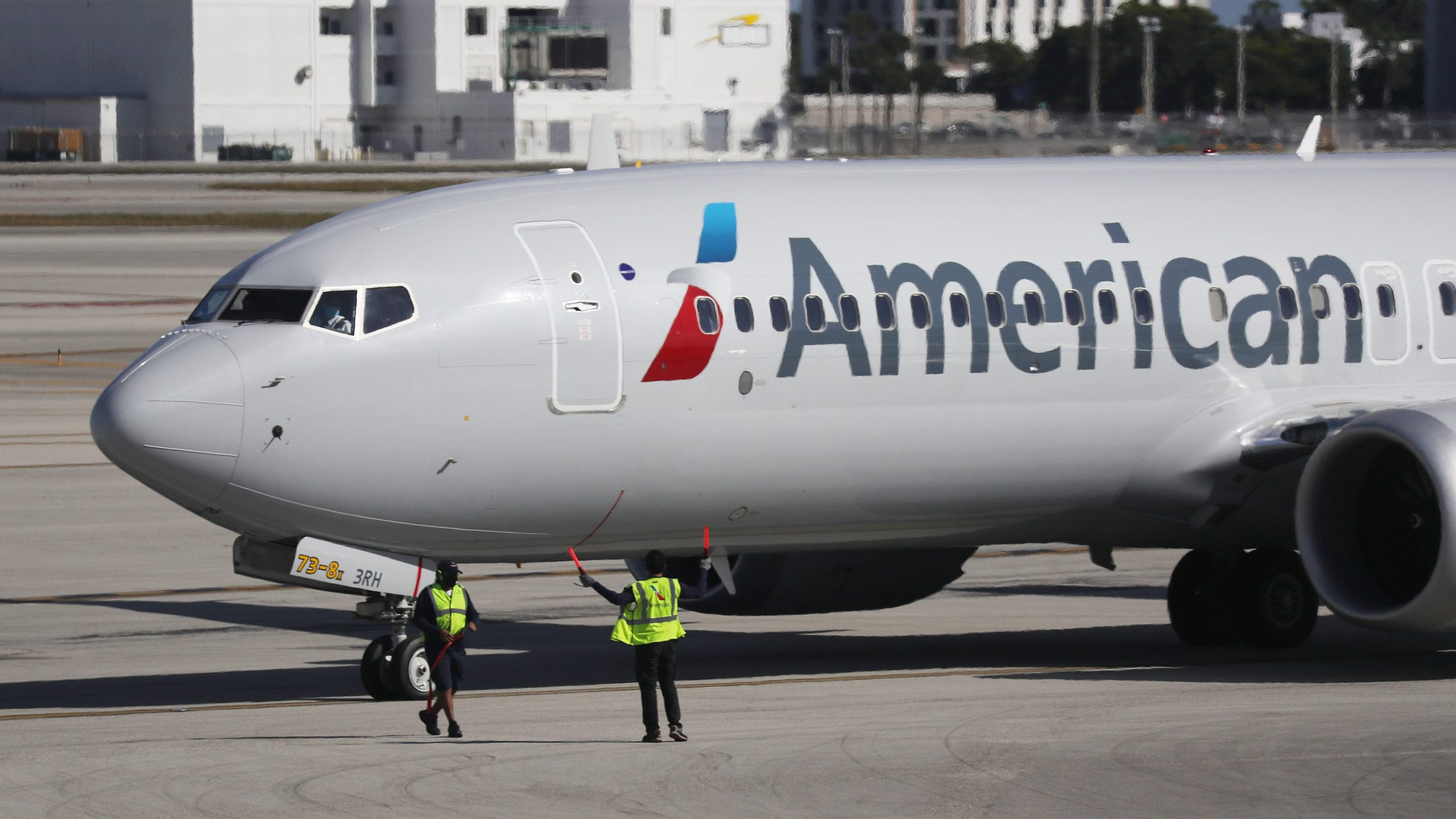 American Airlines alcohol service