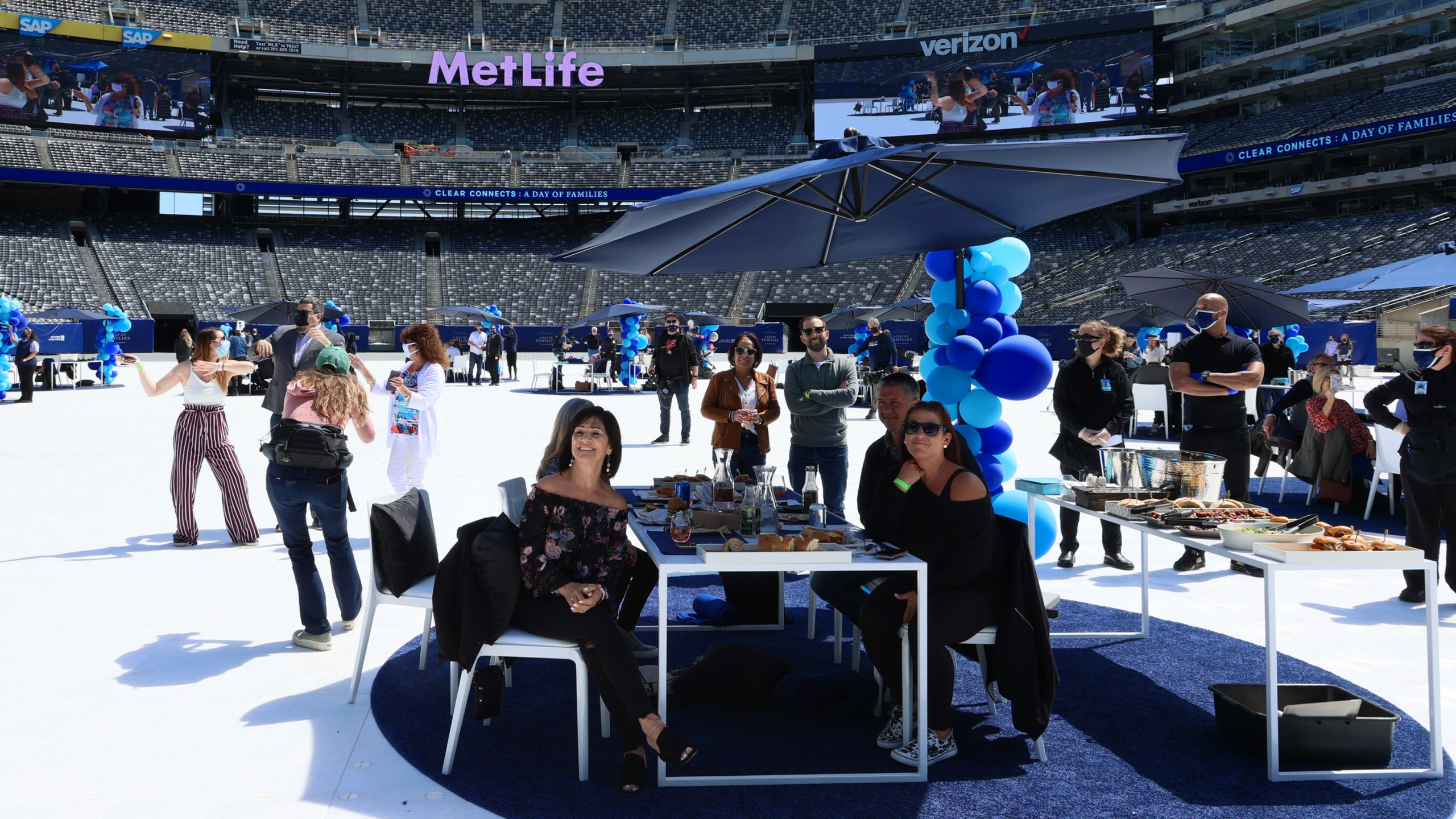 Families reunite at MetLife Stadium