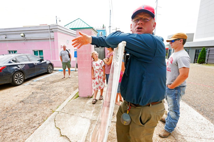 Coleman Boyd, a Mississippi physician an a ardent anti-abortion advocate, calls out to people leaving the Jackson Womens Health Organization clinic, Thursday, May 20, 2021, in Jackson, Miss. The clinic is Mississippi's only state licensed abortion facility. (AP Photo/Rogelio V. Solis)