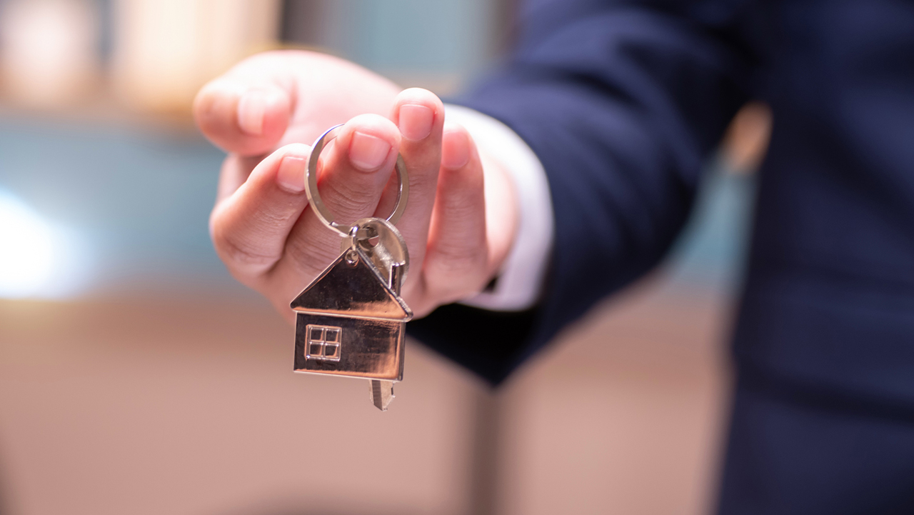 Home selling and buying, keys
