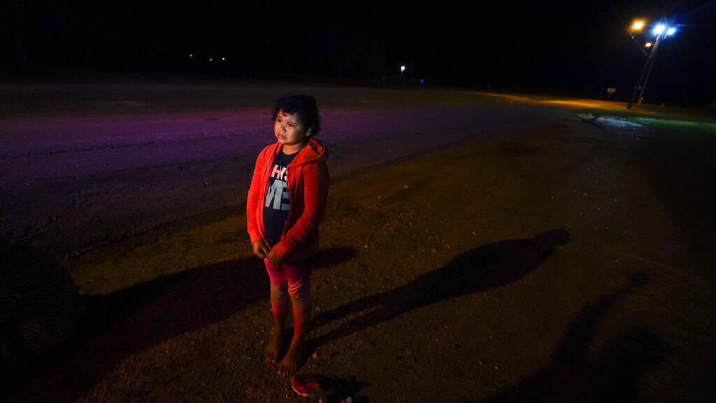 Glenda Valdez was at her home in Austin, watching a Univision newscast one afternoon in May, when she saw a picture of a girl in a red hoodie. She knew at once that it was her missing daughter.