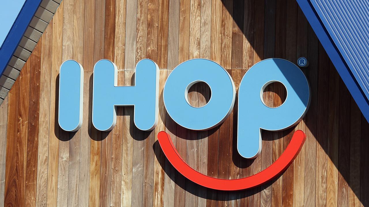 Ihop signage