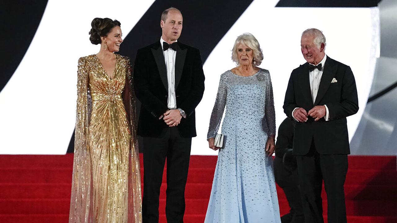 Royals attend Bond premiere